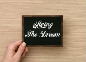 Set of 6  Postcards Blackboard Greetings - Living The Dream - Simple Expression