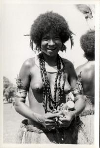 Papua New Guinea, Real Photo Native Papuas, Native Young Girl (1930s) RP (27)
