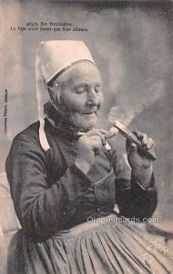 Smoking Old Vintage Antique Post Card En Bretagne, La Pipe Unused