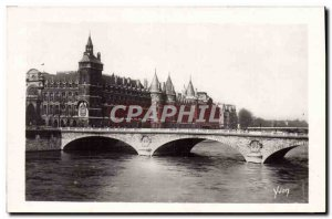 Old Postcard Paris strolling Courthouse And Change At The Bridge
