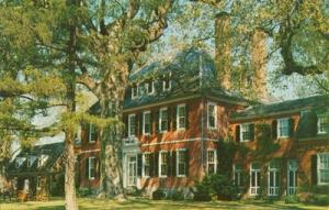 Westover Plantation between Williamsburg and Richmond, 19...