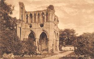 Dryburgh Abbey, St Mary's Aisle and Tomb of Sir Walier Abtei