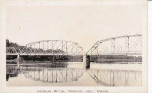 RP: MANIWAKI , Quebec , Canada , 30-40s; Gatineau Bridge