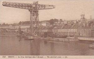 BREST, La Grue electrique dans l'Arsenal, The electrical crane, Finistere, Fr...