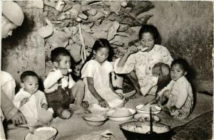 CPA Le riz quotidien MADAGASCAR (830017)