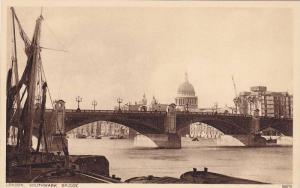 London, Southwark Bridge, England, United Kingdom, 10-20s