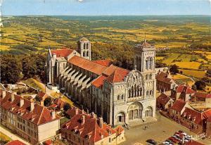 France Les Merveilles de l'Yonne Vezelay La Basilique Sainte madeleine