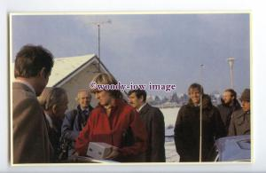 r2505 - Princess Diana visits St. Mary's School, in Tetbury 08/12/1981- postcard