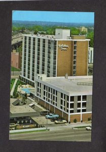 OH Holiday Inn Hotel Motel Dayton Ohio Postcard Gulf Oil Gas Station