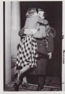 Soldier Lovers Friends Military Reuinted WW2 Following VE Day Now Peace Postcard