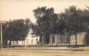 G83/ Shanandoah Iowa RPPC Postcard 1908 High School Building