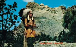 USA Mt Rushmore and Black Elk a Sioux Warrior Vintage Postcard 07.32