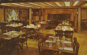 Massachusetts Sturbridge Publick House On The Common Tap Room 1976
