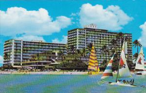 Hawaii The Reef Hotel At Waikiki