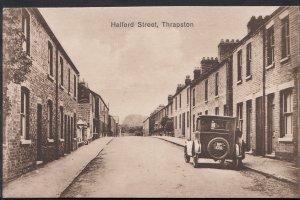 Northamptonshire Postcard - Halford Street, Thrapston    S456