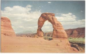 Delicate Arch, Arches National Monument, Utah, unused Postcard