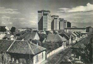Postcard CZECH REPUBLIC Kladno les buildings sur l'avenue de la victoire