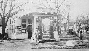 Vintage Postcard Glimpse of Time Lincoln Oil Bandon, Oregon