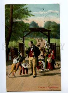 245372 Family in Deer Park PUG by by ANDERSON Vintage PC