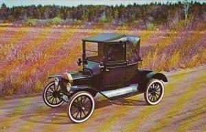 1915 Model T Ford Couplet Vintage Car