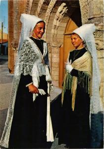 CPM Ile de Re Mariée Retaise et Demoiselle FOLKLORE (753701)
