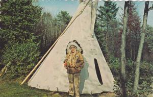 Indian at tepee , Canada , 40-60s
