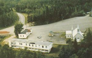 Lac Bouchette. Cte Roberval, Quebec , 50-60s ; La Premiere et la Residence du Pe