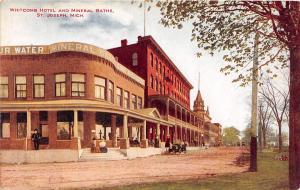 D76/ St Joseph Michigan Mi Postcard c1910 Whitcomb Hotel and Mineral Baths Auto