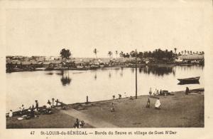 CPA Sénégal Afrique Saint-Louis - Bords du fleuve et village de Guet (67980)