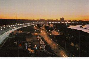 TORONTO , Ontario, 1950-60s ; Lakeshore Blvd at night