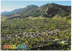 US Colorado.Boulder - Aerial View.  Mint Card. Beautiful Colorado.