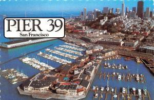 USA San Francisco Pier 39 Harbour Boats Bateaux Port