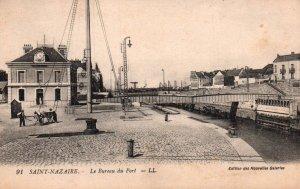 Le Bereau du Port,Saint-Nazaire,France BIN