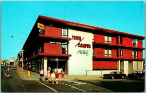 Madison, Wisconsin Postcard TOWN / CAMPUS MOTEL State at Frances Street 1979