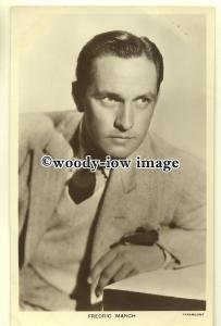 b2475 - Film Actor - Fredric March - Picturegoer postcard no 702