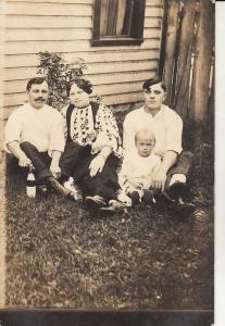 Social history early photo postcard romanian family types folk costume c.1915
