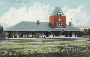 C.P. Railroad Train Depot , REGINA , Saskatchewan , Canada , 00-10s