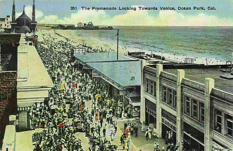 California The Promenade Looking Towards Venice Ocean park Postcard