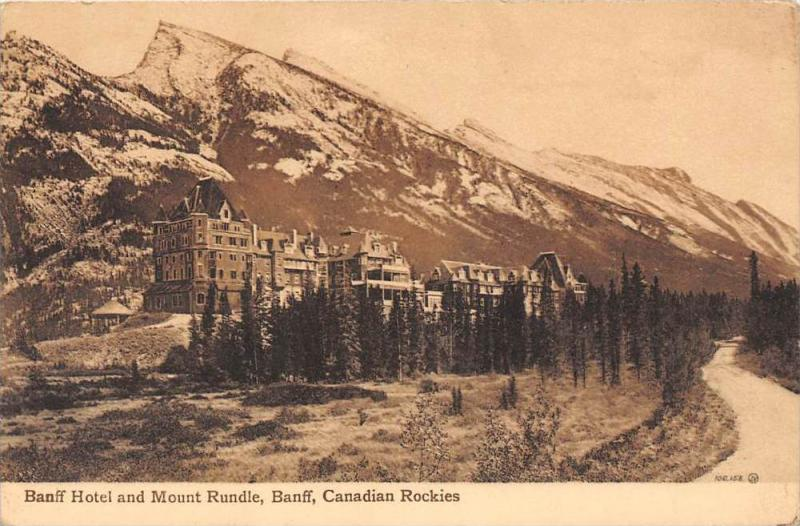 10102 Alberta Baniff   Hotel and Mount Rundle,