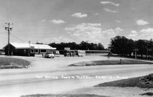 Fertile Minnesota Top Notch Food Motel Real Photo Antique Postcard K96310