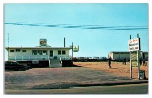 1950s/60s Sea Spray Restaurant and Lounge, Misquamicut, RI Postcard