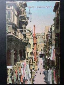 c1918 PC Malta: Strada San Patrizio - showing washing hanging out to dry