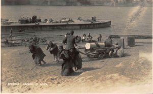 Iraq Baghdad Coolies Work Workers Boat real photo Postcard