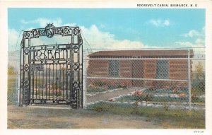 G54/ Bismarck North Dakota Postcard c1930s Roosevelt Cabin Gate