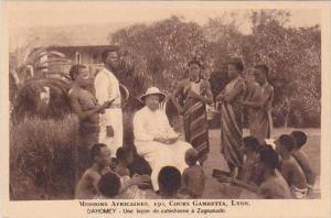 Dahomey Missions Africaines Une lecon de catechisme a Zagnanado
