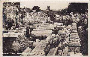 RP: IZMIR , Turkey 30-40s ; Efes Harabeleriuden