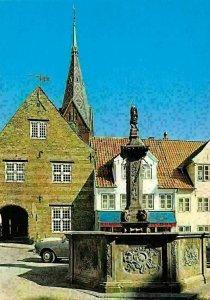 Flensburg Nordermarkt und Neptunsbrunnen, Statue Fountain Street Autos Cars