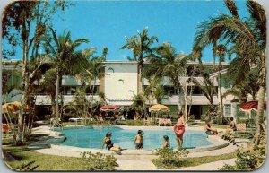 Ormond, Florida Postcard ORMOND BILTMORE APARTMENTS Pool Scene c1950s Unused