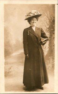 Vtg Postcard RPPC 1904-18 AZO Victorian Woman With Big Smile Studio View Unused