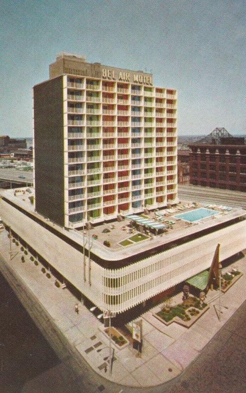 SAINT LOUIS, Missouri, 1950-1960's; Bel Air Motel, Swimming Pool